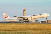Boeing 777-346/ER (JA737J)