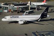 Airbus A320-214/SL (D-AIWJ)