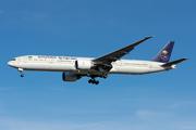 Boeing 777-368/ER (HZ-AK21)