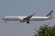 Boeing 777-328/ER (F-GZNS)