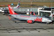 Boeing 737-86N/WL (G-DRTN)