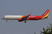 Airbus A321-211/WL (HS-VKG)