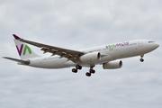 Airbus A330-243 (EC-LNH)