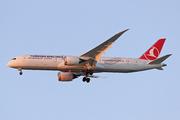 Boeing 787-9 Dreamliner (TC-LLF)