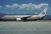 Boeing 767-323/ER (N352AA)
