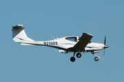 Diamond DA-40 Diamond Star (N215DS)