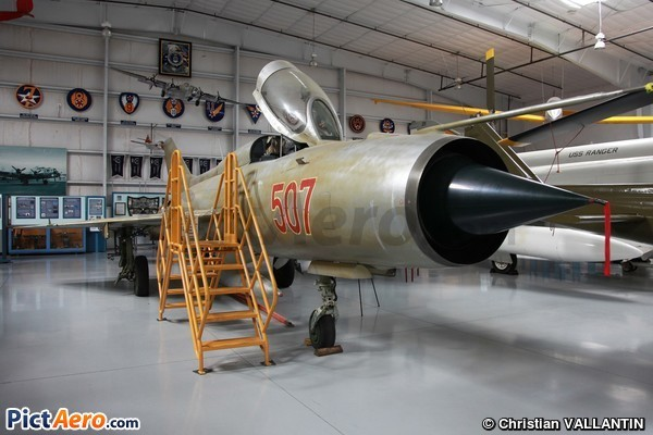 Mikoyan-Gourevitch Mig-21 PF Fishbed D (Pima Air and Space Museum)