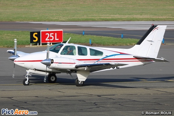 Beech 95-B55 Baron (Private)