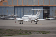 Beech Super King Air 350 (TR-AEM)