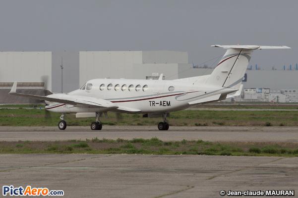 Beech Super King Air 350 (COMILOG-Compagnie Minière de l'Ogoue)