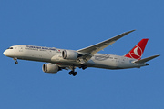 Boeing 787-9 Dreamliner (TC-LLE)