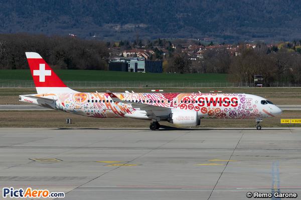 Bombardier CSeries CS300 (BD-500-1A11) (Swiss Global Air Lines)