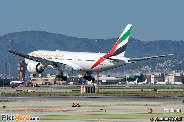 Boeing 777-21H/LR (Emirates)