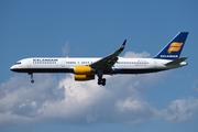 Boeing 757-223/WL (TF-ISL)