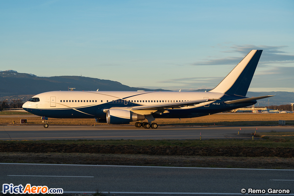 Boeing 767-2DX/ER (Comlux Aviation)