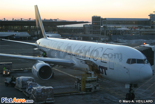Boeing 767-341/ER (LOT Polish Airlines)