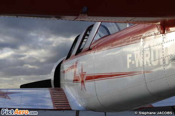 Yakovlev Yak-52 (Privé)