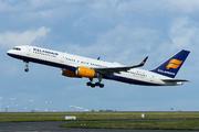 Boeing 757-223/WL (TF-ISF)