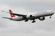 Boeing 777-3U8(ER)