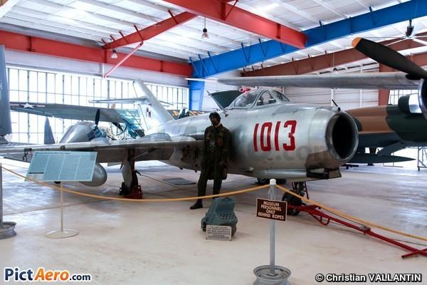 PZL-Mielec Lim-2 (War Eagles Air Museum)