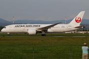 Boeing 787-8 Dreamliner (JA834J)