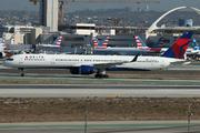 Boeing 757-351/WL (N582NW)