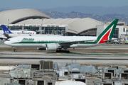 Boeing 777-243/ER (EI-ISB)
