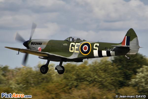 Supermarine Spitfire Mk.XVI (Vintage Fighter Aircraft)