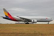 Boeing 777-28E/ER (HL8254)
