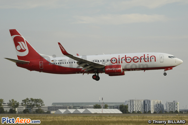 Boeing 737-86J (Air Berlin)