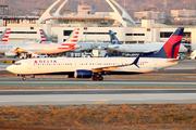 Boeing 737-932/ER (N920DU)