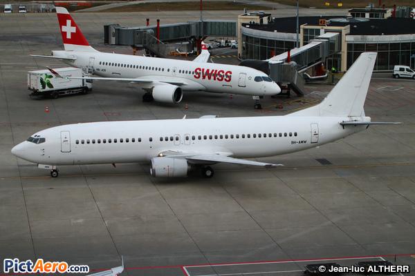 Boeing 737-4Q8 (Air Horizont)