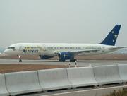 Boeing 757-28A (G-OOOB)