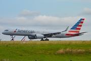 Boeing 757-223 (N176AA)