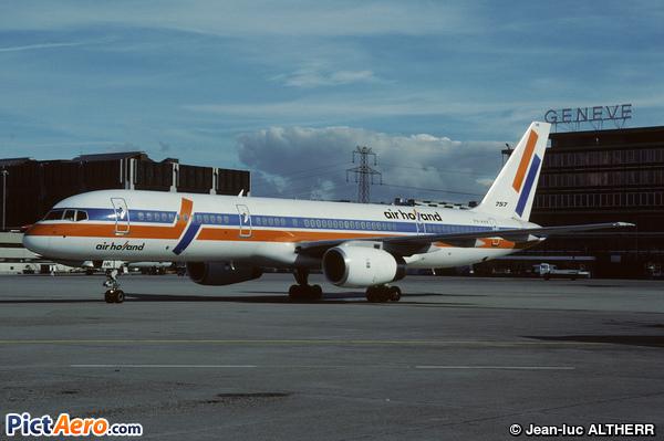 Boeing 757-23A (Air Holland)