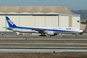 Boeing 777-381/ER (JA733A)