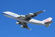 Boeing 747-409F/SCD (B-18720)