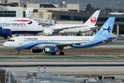 Airbus A320-214 (XA-YES)