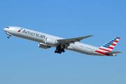 Boeing 777-323/ER (N729AN)