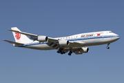 Boeing 747-89L