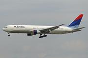 Boeing 767-332/ER (N182DN)
