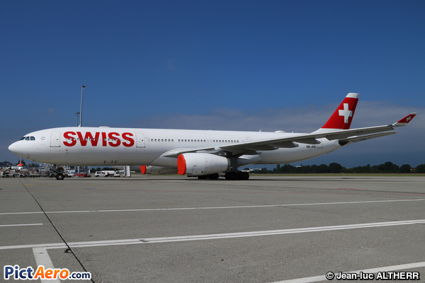 Airbus A330-343 (Swiss International Air Lines)