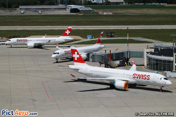 Airbus A220-300 (Swiss International Air Lines)