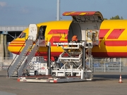 Boeing 757-236/SF (G-BIKJ)