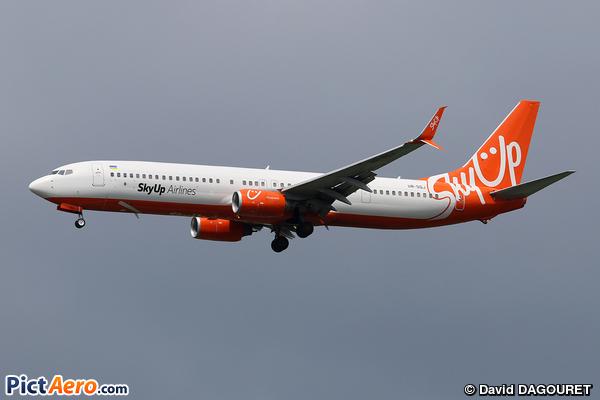 Boeing 737-96N/ER (SkyUp Airlines)