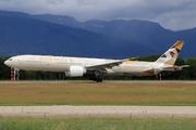 Boeing 777-3FX/ER (A6-ETA)