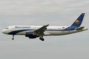 Airbus A320-214 (TS-INB)