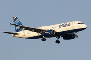 Airbus A320-232 (N592JB)