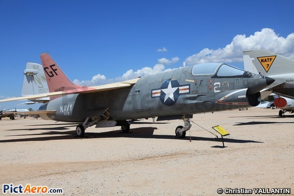 Vought DF-8F Crusader (Pima Air & Space Museum)