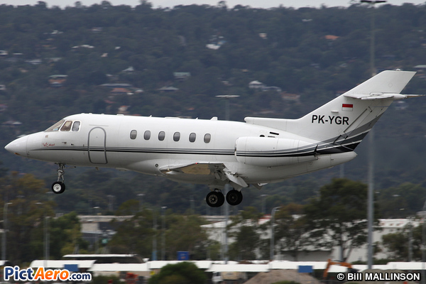 Raytheon Hawker 800xpi (Tri-M.G. Asia Airlines)